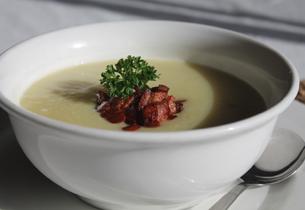 Česneková polévka s tvarůžky